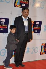 at Zee Awards red carpet in Mumbai on 6th Jan 2013 (34).JPG