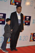 at Zee Awards red carpet in Mumbai on 6th Jan 2013 (35).JPG