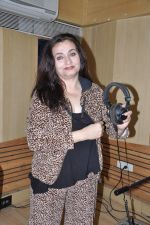 Salma Agha at a song recording for Damini - tribute to the victim of delhi rape in Mumbai on 7th Jan 2013 (16).JPG