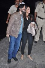 Sonali Bendre, Goldie Behl at Hrithik_s yacht party in Mumbai on 9th Jan 2013 (227).JPG