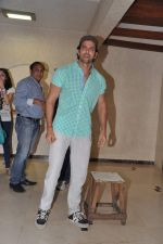 Hrithik Roshan celebrates bday with media in Mumbai on 10th Jan 2013 (21).JPG