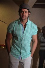 Hrithik Roshan celebrates bday with media in Mumbai on 10th Jan 2013 (24).JPG