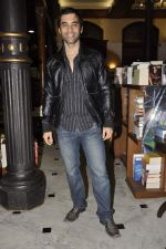Kushal Punjabi at the graveyard shift book launch in Kitab Mahal, Mumbai on 11th Jan 2013 (61).JPG