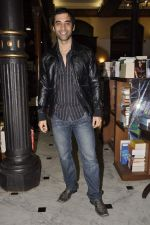 Kushal Punjabi at the graveyard shift book launch in Kitab Mahal, Mumbai on 11th Jan 2013 (62).JPG