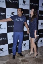 Vindu Dara Singh, Dina Umarova at Relaunch of Enigma hosted by Krishika Lulla in J W Marriott, Mumbai on 11th Jan 2013 (81).JPG