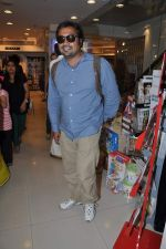 Anurag Kashyap launches book Rajnikant in Mumbai on 13th Jan 2013 (4).JPG