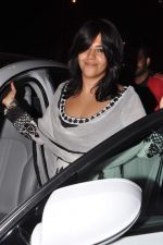 Ekta Kapoor seek blessings at Siddhivinayak at 4.30 am in Mumbai on 15th Jan 2013 (29).JPG