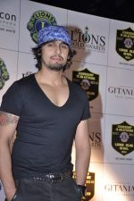 Sonu Nigam at Lions Gold Awards in Mumbai on 16th Jan 2013 (33).JPG