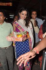 Sunny Leone seek blessings at Siddhivinayak at 4.30 am in Mumbai on 15th Jan 2013 (44).JPG