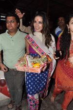 Sunny Leone seek blessings at Siddhivinayak at 4.30 am in Mumbai on 15th Jan 2013 (45).JPG