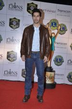 Varun Dhawan at Lions Gold Awards in Mumbai on 16th Jan 2013 (37).JPG