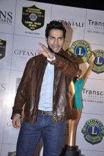 Varun Dhawan at Lions Gold Awards in Mumbai on 16th Jan 2013 (43).JPG