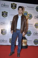 Varun Dhawan at Lions Gold Awards in Mumbai on 16th Jan 2013 (44).JPG