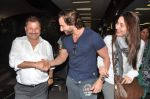 Saif Ali Khan, Kareena Kapoor snapped at airport in Mumbai on 17th Jan 2013 (11).JPG