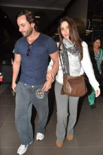 Saif Ali Khan, Kareena Kapoor snapped at airport in Mumbai on 17th Jan 2013 (13).JPG