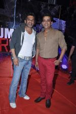 Sunil Shetty, Ravi Kishan at Mumbai Mirror premiere in PVR, Mumbai on 17th Jan 2013 (91).JPG