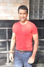 Dinesh Lal Yadav at Manoj Tiwari_s Hindi film Dhara 144 film mahurat in Goregaon, Mumbai on 18th Jan 2013 (6).JPG