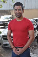 Dinesh Lal Yadav at Manoj Tiwari_s Hindi film Dhara 144 film mahurat in Goregaon, Mumbai on 18th Jan 2013 (8).JPG