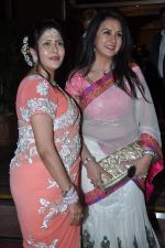 Poonam Dhillon, Kanchan Adhikari at Ravi and Rubaina_s wedding reception in Taj Land_s End, Mumbai on 18th Jan 2013 (74).JPG