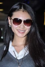 Miss World 2012 Yu Wenxia at Mumbai Airport on 19th Jan 2013 (12).JPG