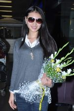 Miss World 2012 Yu Wenxia at Mumbai Airport on 19th Jan 2013 (3).JPG