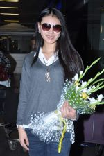 Miss World 2012 Yu Wenxia at Mumbai Airport on 19th Jan 2013 (4).JPG