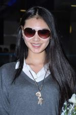 Miss World 2012 Yu Wenxia at Mumbai Airport on 19th Jan 2013 (7).JPG