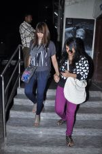 Bipasha Basu snapped at PVR, Mumbai on 22nd Jan 2013(16).JPG