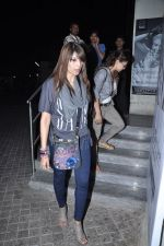 Bipasha Basu snapped at PVR, Mumbai on 22nd Jan 2013(19).JPG