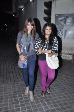 Bipasha Basu snapped at PVR, Mumbai on 22nd Jan 2013(25).JPG