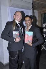 sir greogry david roberts with capt vinod nair at Vinod Nair hosts bash for Greogry David Roberts in Le Sutra, Mumbai on 21st Jan 2013.JPG