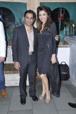 vinod nair with queenie singh at Vinod Nair hosts bash for Greogry David Roberts in Le Sutra, Mumbai on 21st Jan 2013 .JPG
