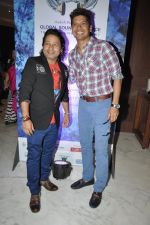 Shaan, Kailash Kher at Global Sound of Peace press conference in Mumbai on 24th Jan 2013 (22).JPG