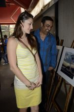 Vindu Dara Singh, Dina Umarova at Manish Chaturvedi launches calendar in association with VEMB Lifestyle in Mumbai on 27th Jan 2013 (63).JPG