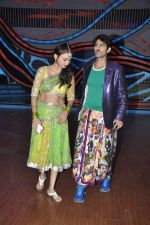 Gauri Tejwani, Hiten Tejwani on the sets of Nach Baliye 5 in Filmistan, Mumbai on 29th Jan 2013 (93).JPG