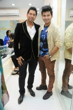 Abhishek Kumar along with Aditya Singh Rajput at Amaze store in Andheri, Mumbai on 2nd Feb 2013.JPG