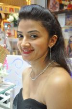 Suhasi Dhami at Kundan store in Andheri, Mumbai on 2nd Feb 2013 (1).JPG