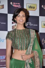 Esha Gupta at Radio Mirchi music awards red carpet in Mumbai on 7th Feb 2013 (210).JPG