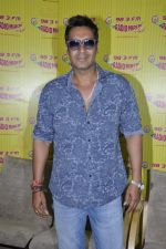 Ajay Devgan at radio mirchi in Parel, Mumbai on 8th Feb 2013 (7).JPG