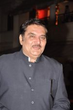 Raza Murad at Anjan Shrivastav son_s wedding reception in Mumbai on 10th Feb 2013 (29).JPG