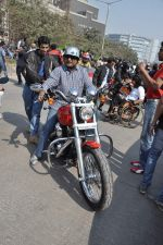 Sanjay Gupta at safety drive rally by 600 bikers in Bandra, Mumbai on 10th Feb 2013 (5).JPG