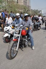 Sanjay Gupta at safety drive rally by 600 bikers in Bandra, Mumbai on 10th Feb 2013 (59).JPG