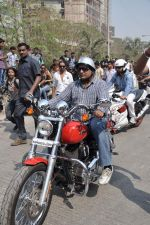 Sanjay Gupta at safety drive rally by 600 bikers in Bandra, Mumbai on 10th Feb 2013 (65).JPG