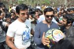 Sonu Sood, John Abraham at safety drive rally by 600 bikers in Bandra, Mumbai on 10th Feb 2013 (36).JPG