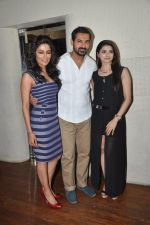 John Abraham, Chitrangada Singh, Prachi Desai at I Me Aur Main press conference in Escobar, Mumbai on 11th Feb 2013 (40).JPG