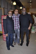 R Balki at the launch of Shatrujeet Nath_s book The Karachi Deception in Crossword, Mumbai on 13th Feb 2013 (10).JPG