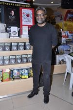 R Balki at the launch of Shatrujeet Nath_s book The Karachi Deception in Crossword, Mumbai on 13th Feb 2013 (11).JPG