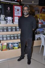 R Balki at the launch of Shatrujeet Nath_s book The Karachi Deception in Crossword, Mumbai on 13th Feb 2013 (12).JPG
