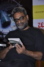 R Balki at the launch of Shatrujeet Nath_s book The Karachi Deception in Crossword, Mumbai on 13th Feb 2013 (32).JPG