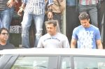 Salman Khan snapped outside Being Human store in Santacruz, Mumbai on 13th Feb 2013 (35).JPG